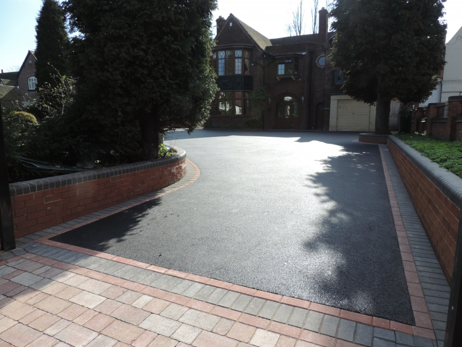 Black Tarmac Drives Birmingham Asphalt Driveway Installers
