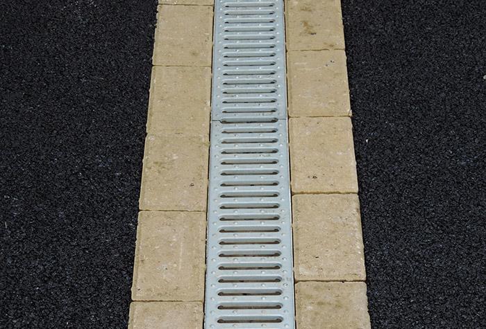 aco driveway drainage birmingham oakleaf driveways ltd. Black Bedroom Furniture Sets. Home Design Ideas