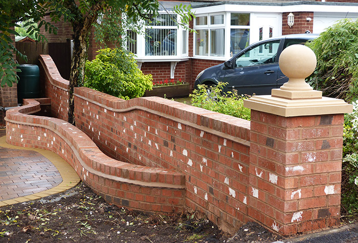 Brick wall installers birmingham brickwork and garden walls for Designs for brick garden walls